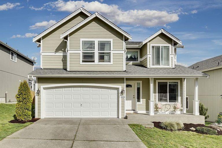 Roofing-Denver-768x512